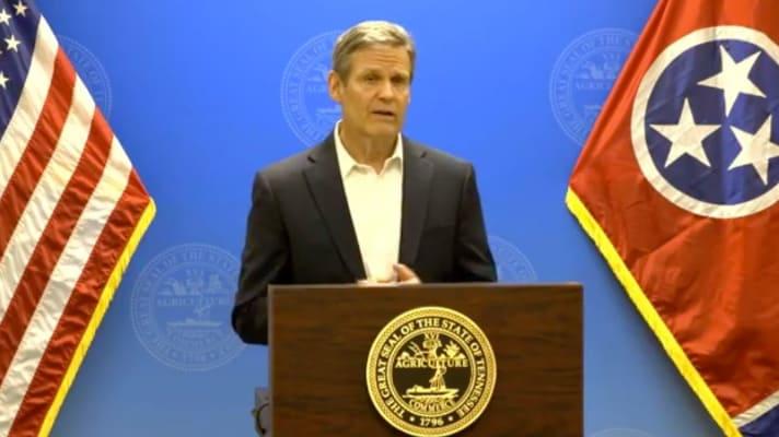 Gobernador de Tennessee firma orden para que todos se queden en casa