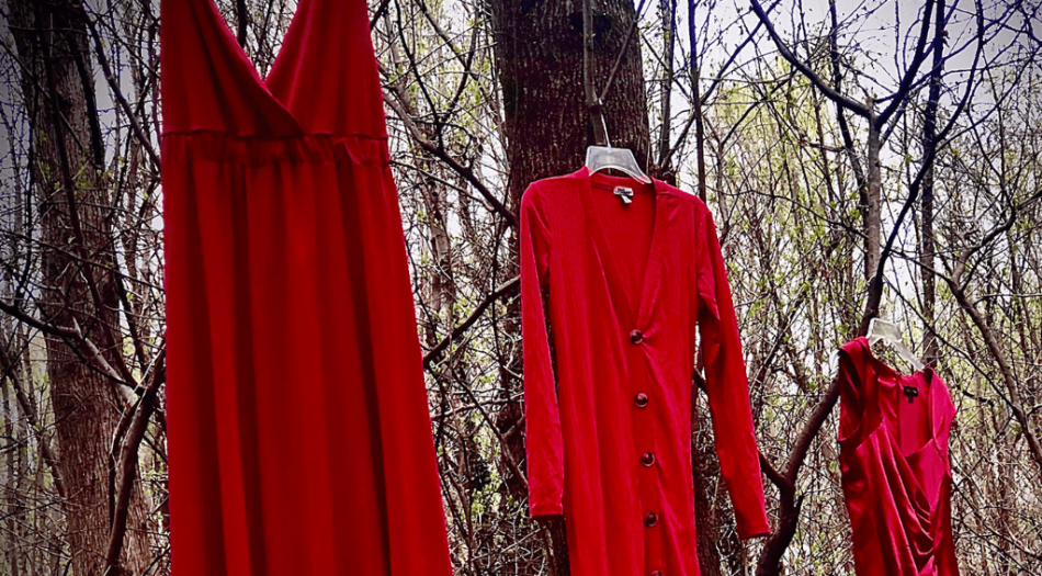 Exposición de Vestidos Rojos