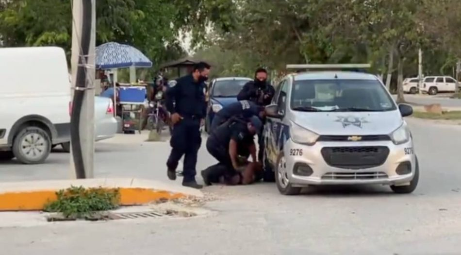 Muere mujer a manos de policías en México2